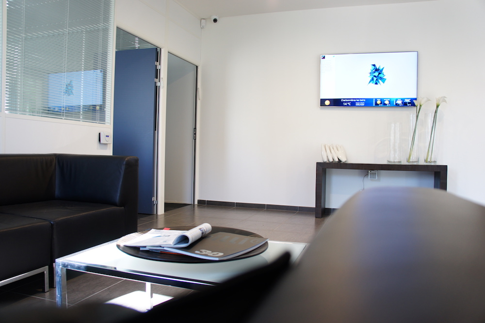 office digital signage, workplace digital signage